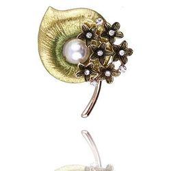 Broszka damska seledynowa kalia z perłą i cyrkoniami - seledynowy ||biały