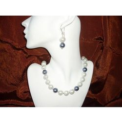 N-00011 Naszyjnik z perełek szklanych, białych i popielatych promocja!