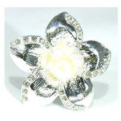 Broszka srebrna kwiat. Kolekcja Stokrotka