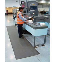 Mata piankowa z utwardzaną powierzchnią PVC, szerokość 60 cm, 10m rolka